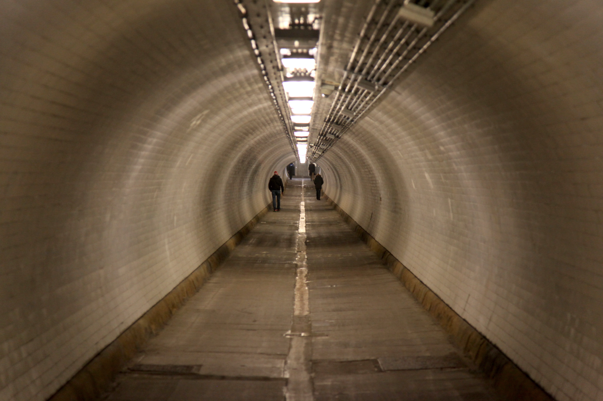 1_woolwich-foot-tunnel_screen-shot-2016-12-10-at-05-45-02
